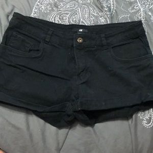 H&M size 8 black shorts